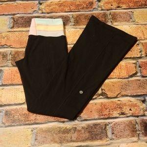 Lululemon black flare sweatpants. (R7)